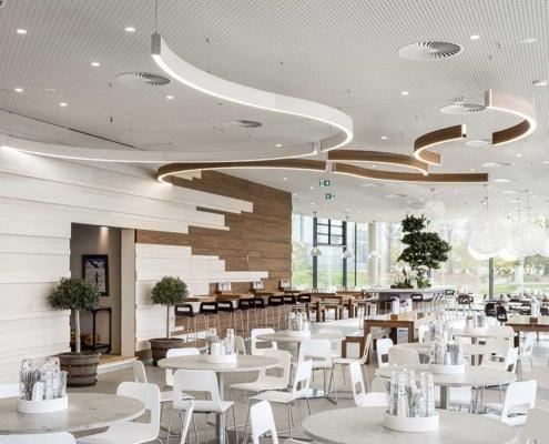Blick ins Betriebsrestaurant bei Brainlab, München