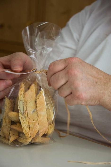 Handgefertigte Cantuccini aus der Werkstatt für Genuß