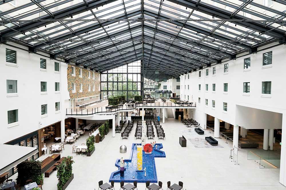 Estrel, Berlin: Blick ins Atrium