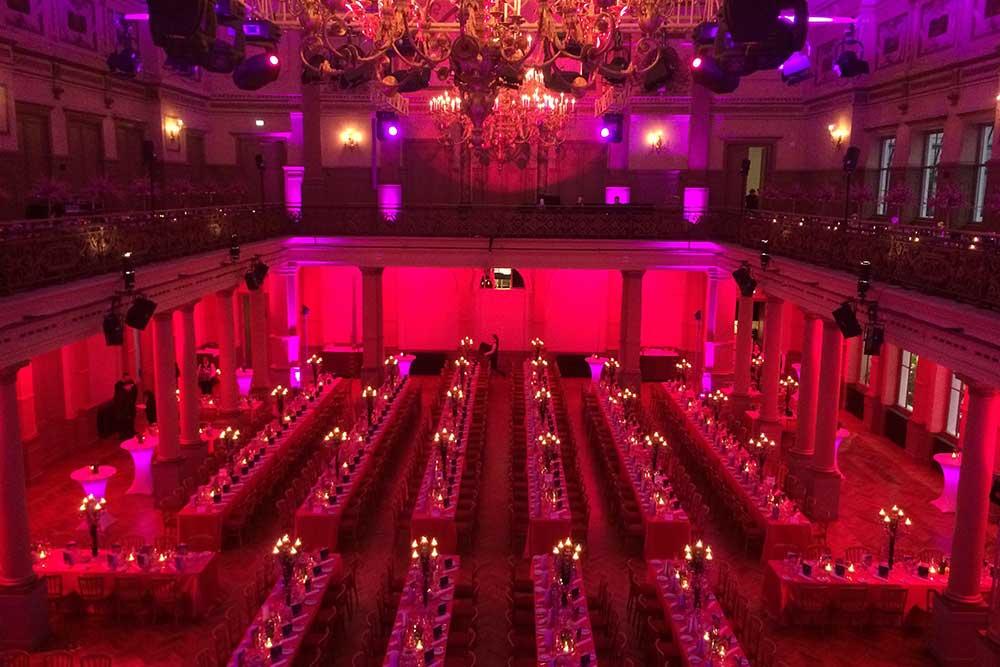 Stimmungsvoller Festsaal (Tiger & Palmen GmbH & Co. KG)