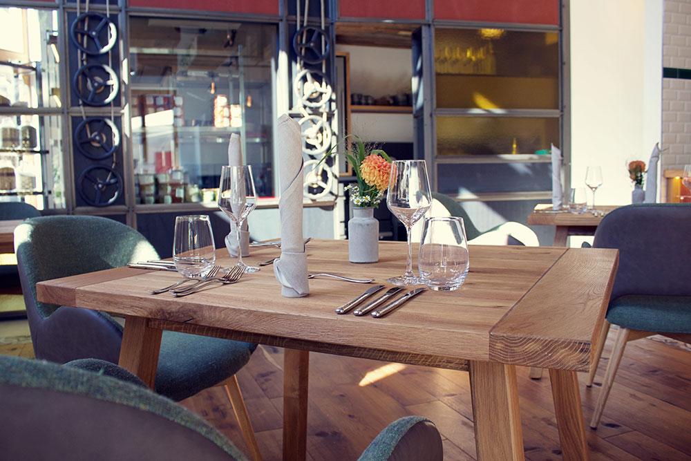 Im Fine-Dining-Restaurant 1950 zeigt Bio-Spitzenkoch Simon Tress, dass Nachhaltigkeit und Klimaschutz für ihn keine Lippenbekenntisse sind