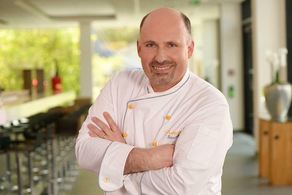 Küchendirektor Gerhard Beck ist der Garant für Qualität und Systematik in der Nachwuchsförderung (Lufthansa Seeheim)