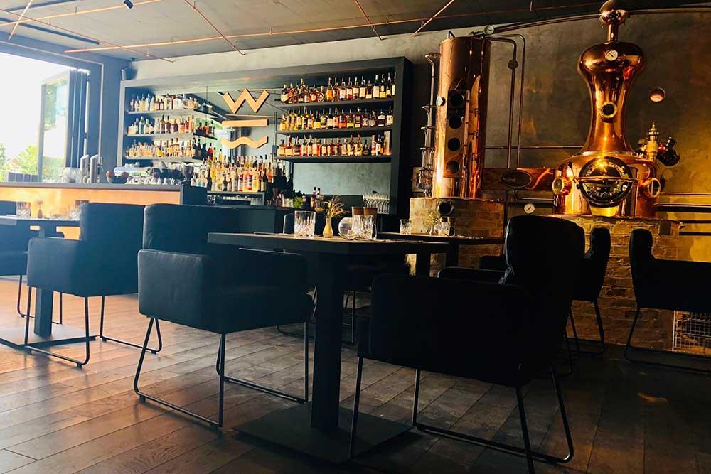 Wynberg Hotel, Restaurant, Destille – Das Gebäude selbst hat eine bewegte Geschichte