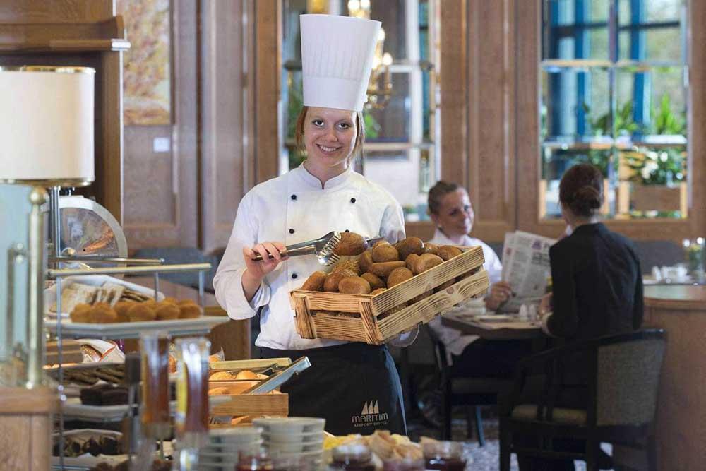 Maritim Airport Hotel Hannover – Alles frisch beim Frühstück