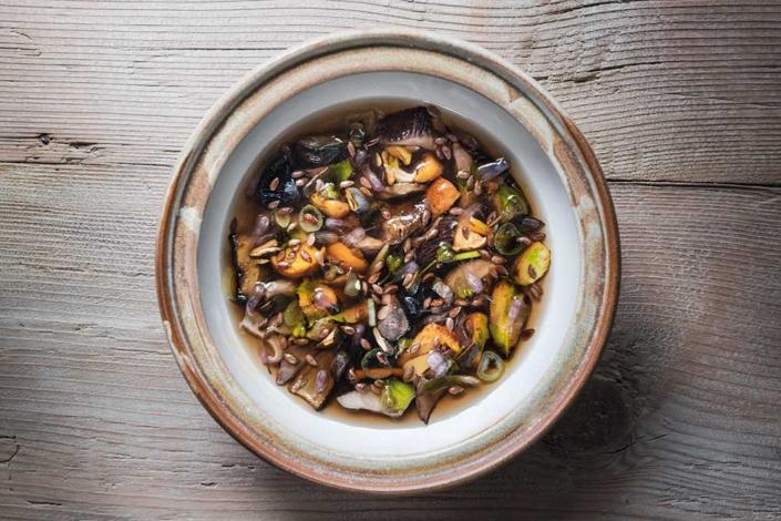 Kulinarik von Norbert Niederkofler – In die Pilze