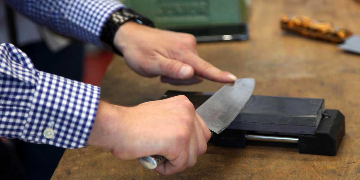 Messerpflege mit Messerexperte Alexander Walker aus dem Hause Giesser Messer