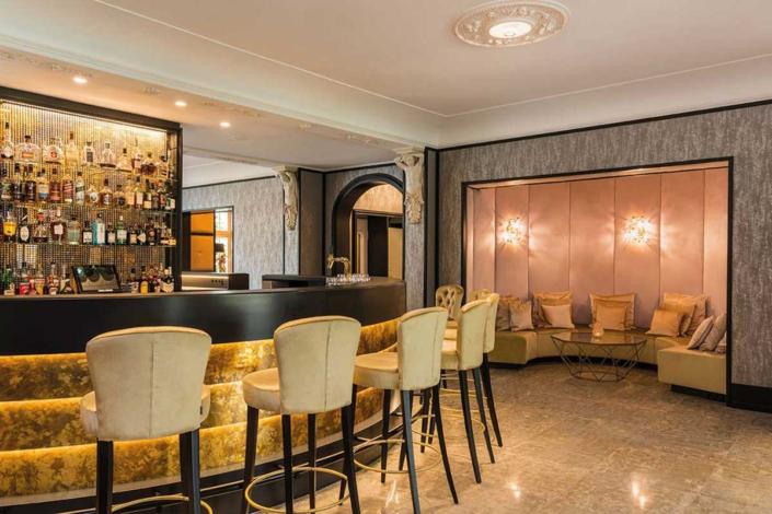 Parkhotel Adler – Bar in der Lobby